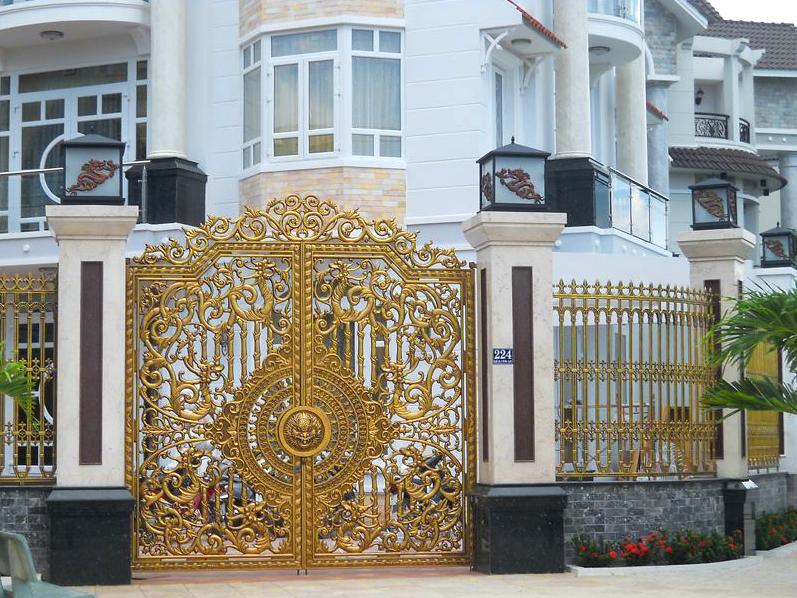 Hình ảnh đèn trang trí cột cổng mát trơn cổ điển
